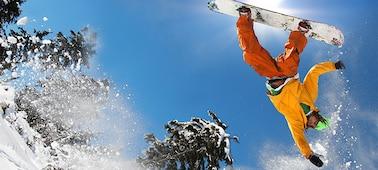 Snímek snowboardisty znázorňující nerozmazané detaily díky technologii LED XR X-Motion Clarity™